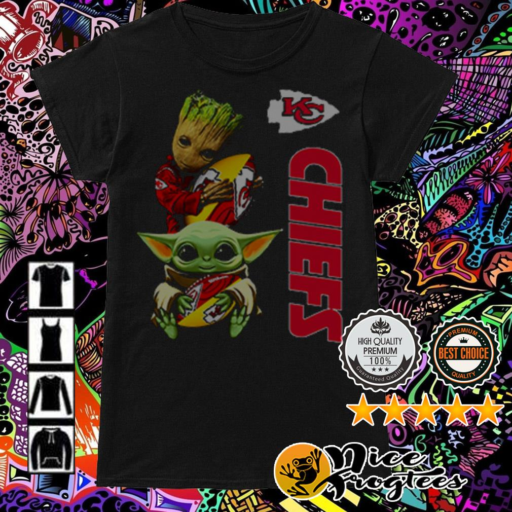Baby Yoda and Baby Groot hug ball Kansas City Chiefs Ladies Tee