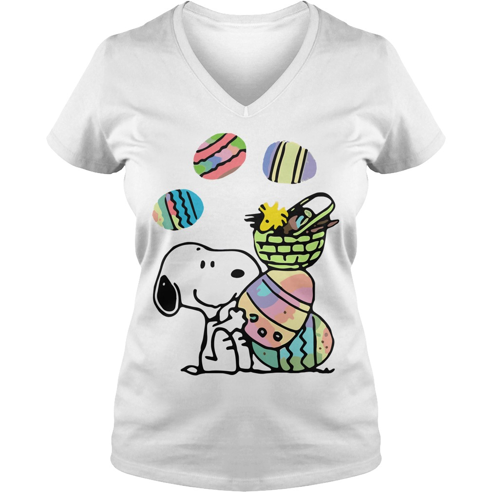 Snoopy and easter eggs V-neck t-shirt