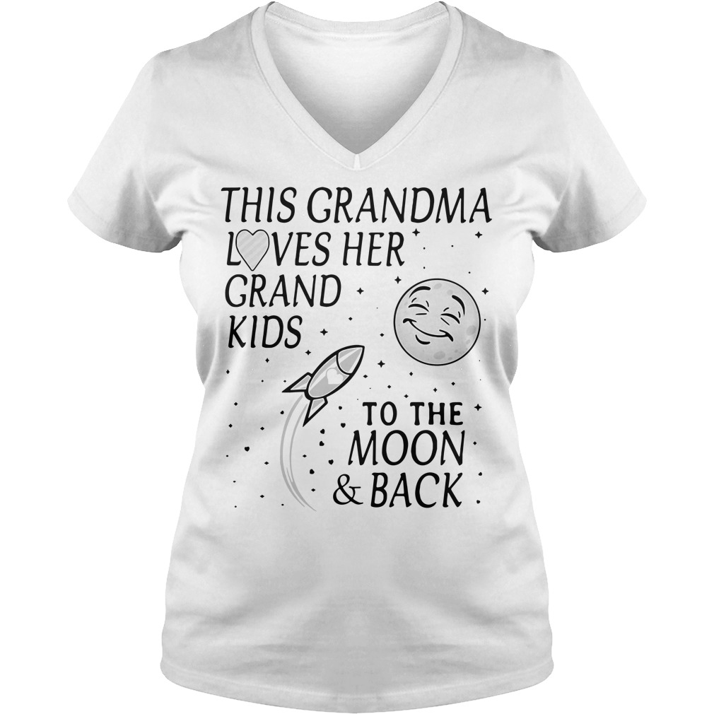 This grandma loves her grandkids to the moon and back V-neck t-shirt