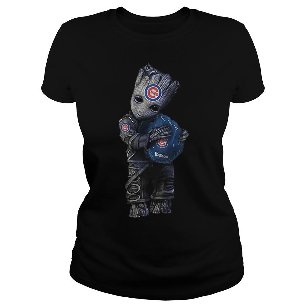 Groot hug Chicago Cubs V-neck t-shirt