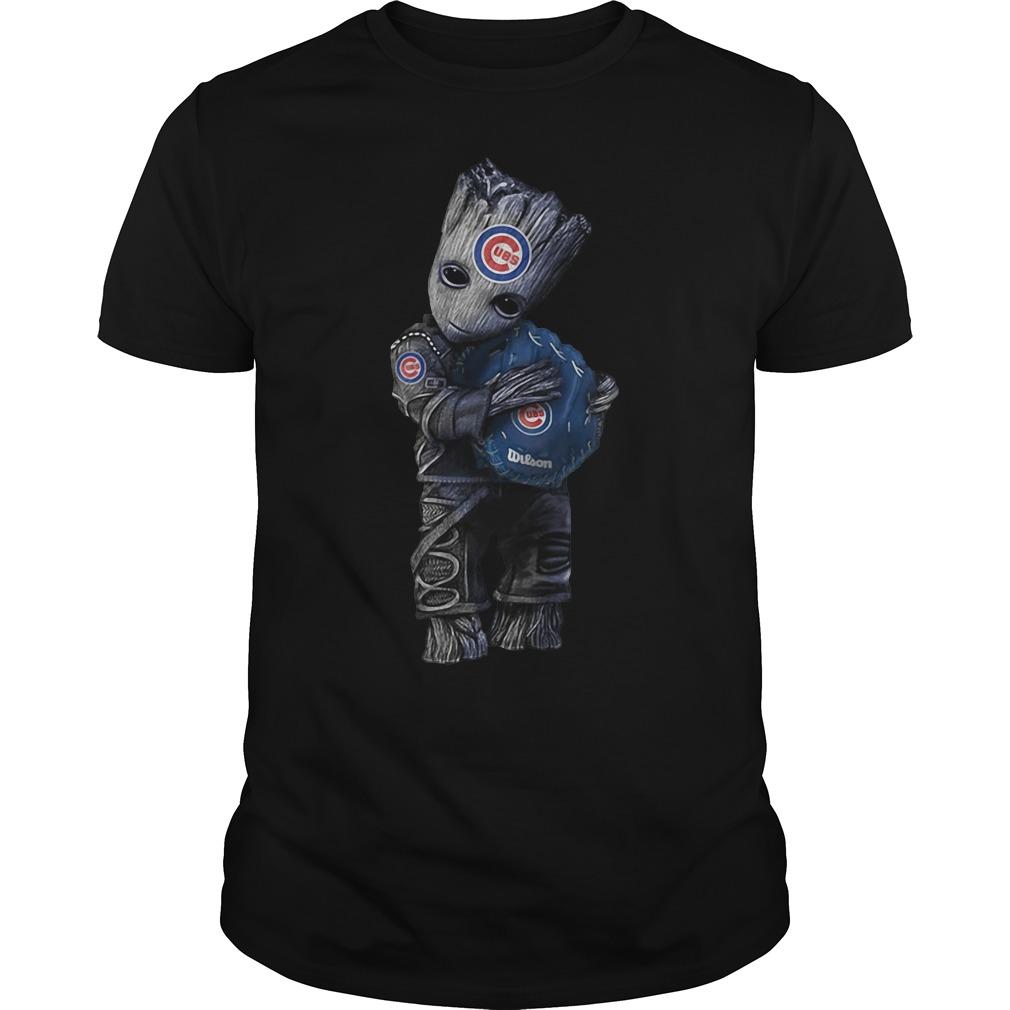 Groot hugs Chicago Cubs shirt