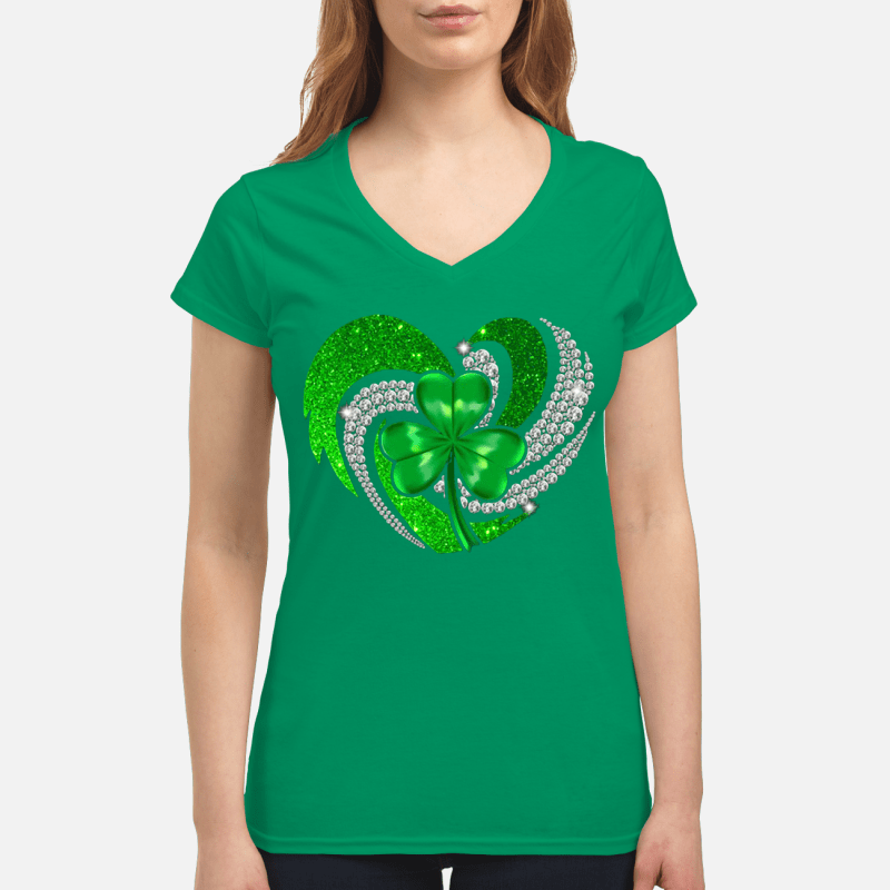 St Patrick's Day Shamrock Irish heart V-neck t-shirt