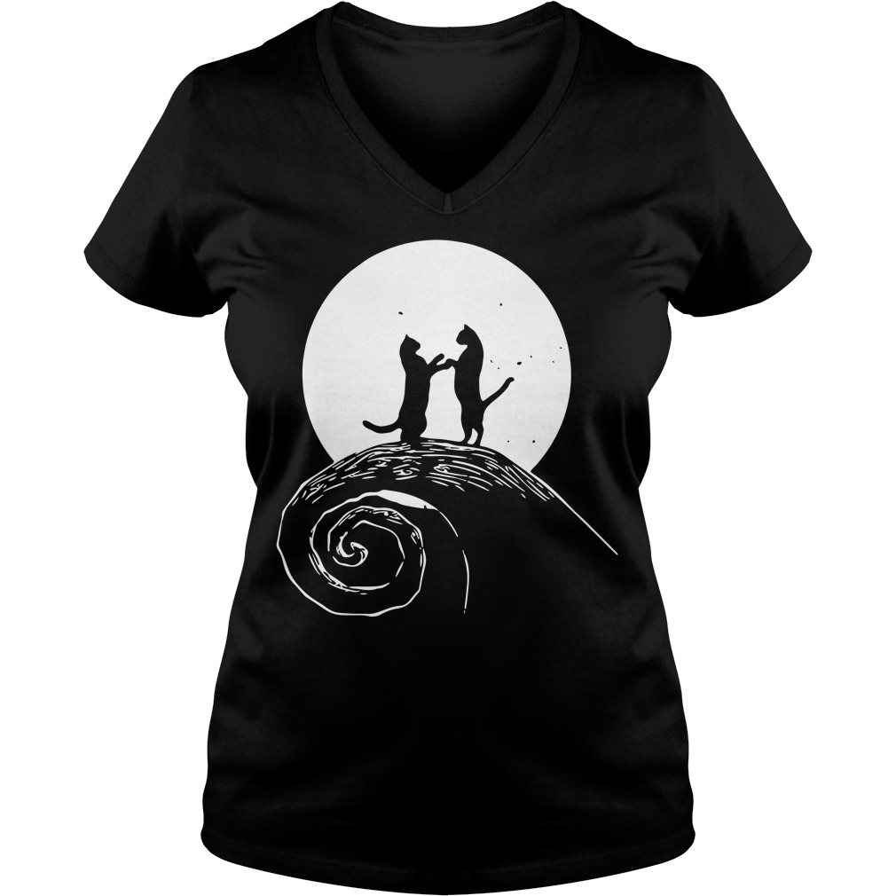 The nightmare before catmas V-neck t-shirt